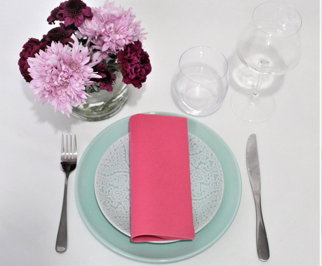 Pink-airlaid-napking-center