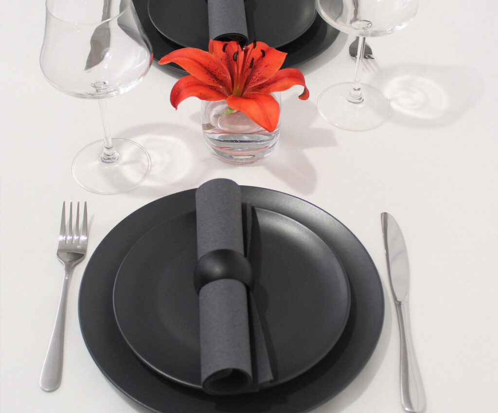 Umbra-grey--napking-tableset